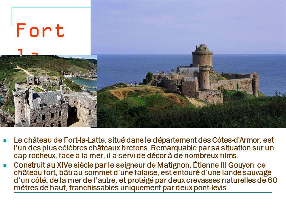 Fay rac Cette forteresse trés bien conservée, a été édifiée au XVème siècle,et remodelée durant les siècles qui suivirent.