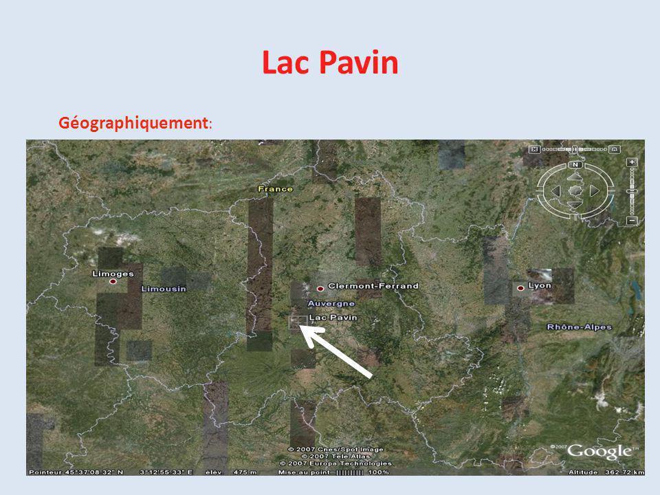 Lac Pavin Géographiquement :