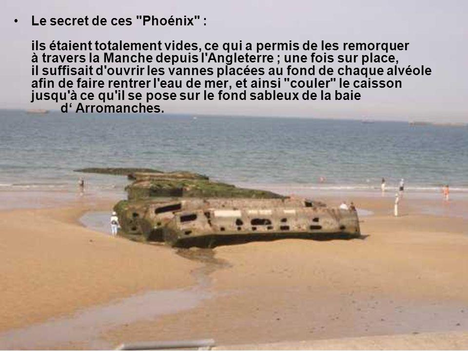 Cette digue était composée de 230 caissons en béton armé fabriqués en Grande-Bretagne.