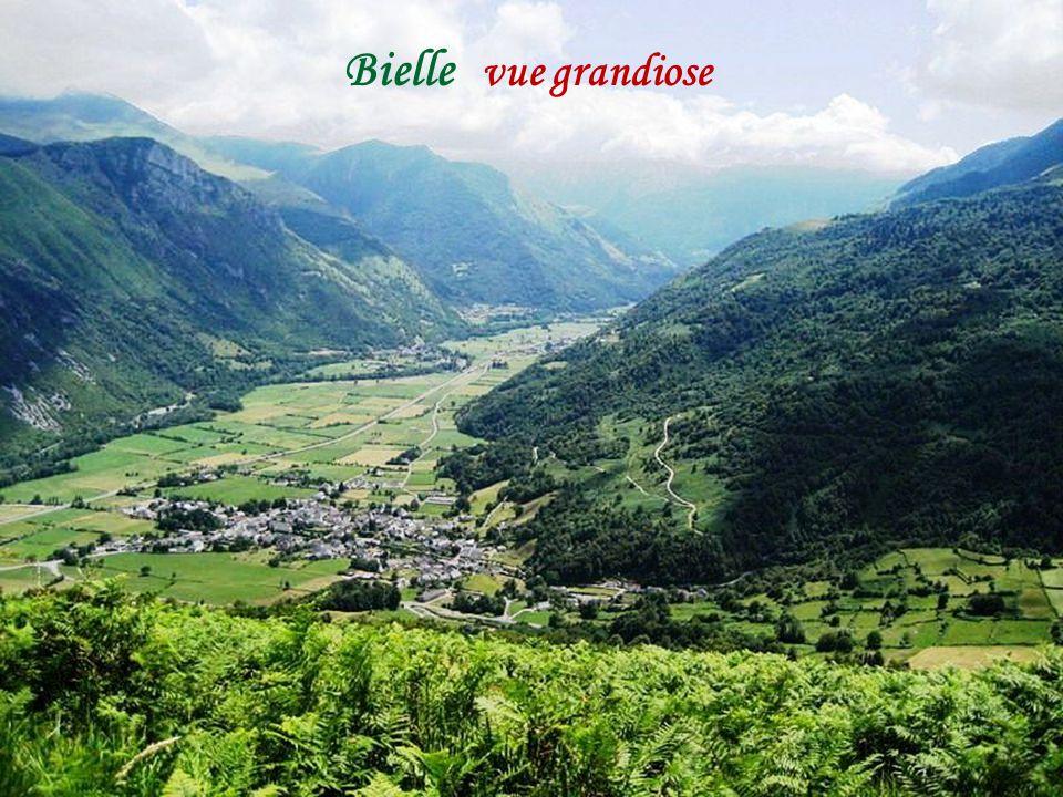 Béost le village vallée d'Ossau
