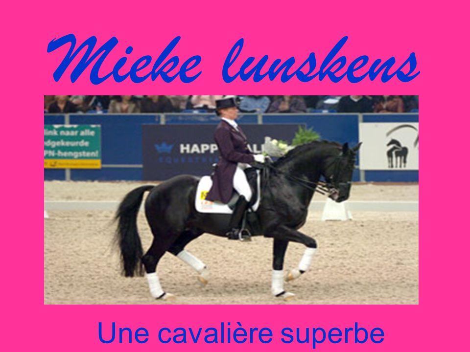 Mieke lunskens Une cavalière superbe