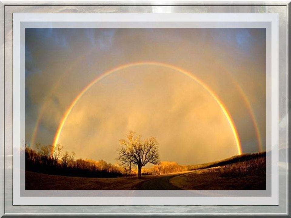 Dans la mythologie grecque, ce chemin entre ciel et terre a été créé par la messagère (Iris ) dont on retrouve trace dans le terme espagnol : « arco i