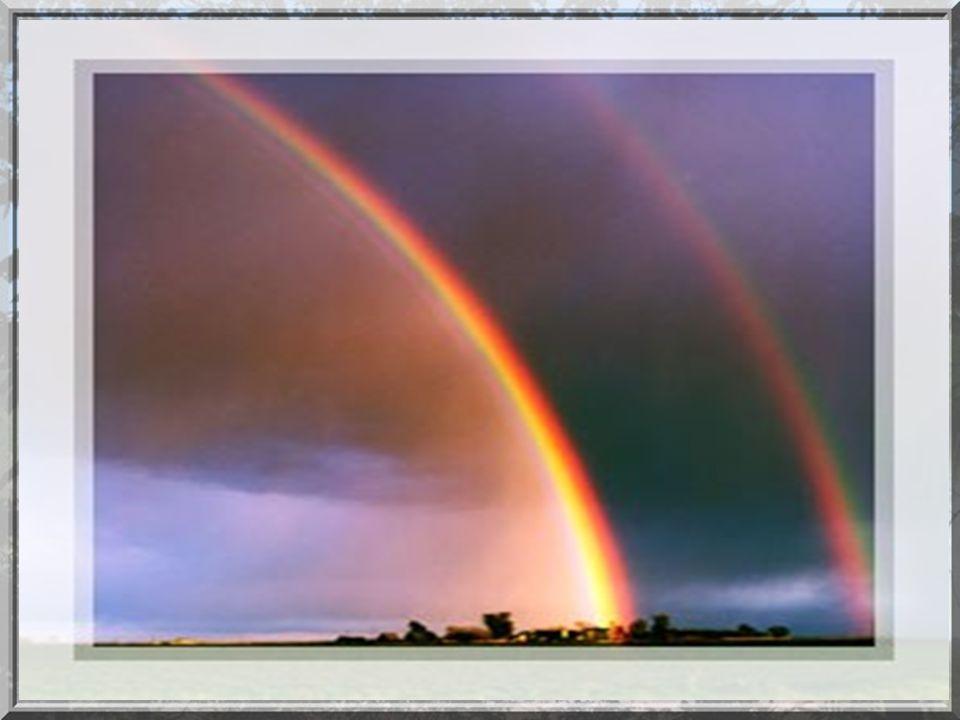 Un arc-en-ciel est un phénomène optique et météorologique qui rend visible le spectre continu de la lumière du ciel quand le soleil brille pendant la