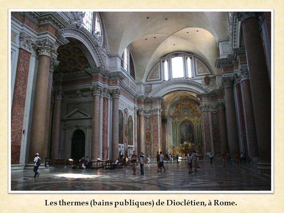 Les thermes (bains publiques) de Dioclétien, à Rome.