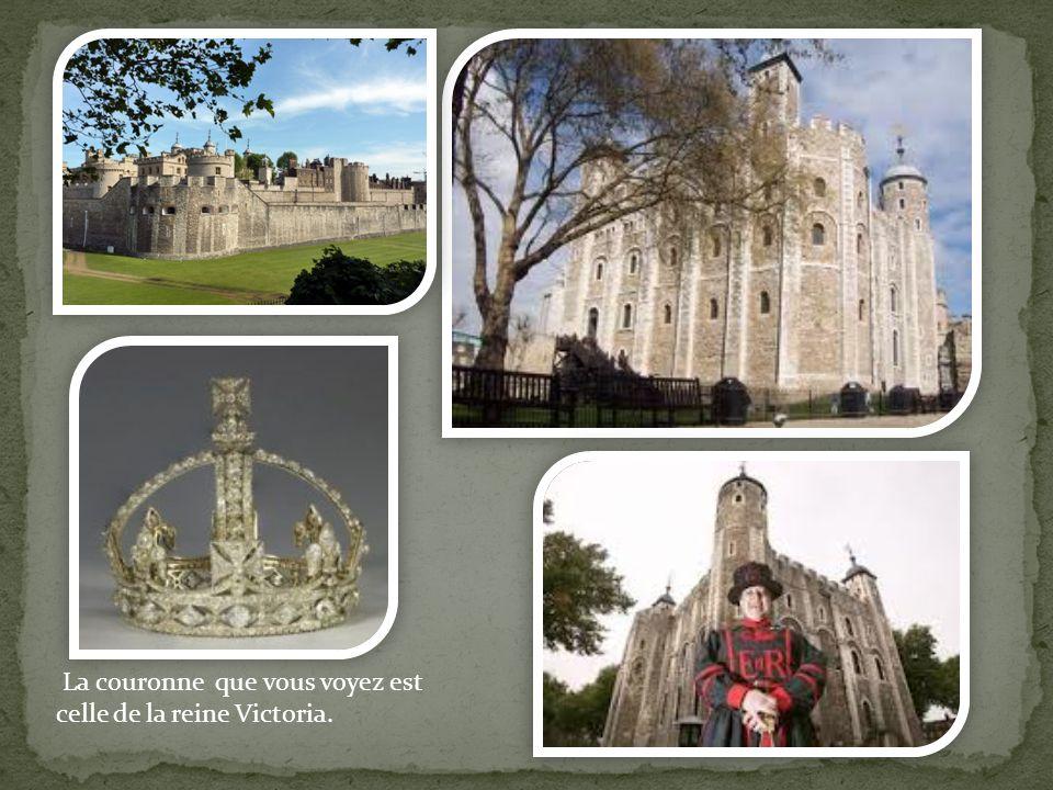 La couronne que vous voyez est celle de la reine Victoria.