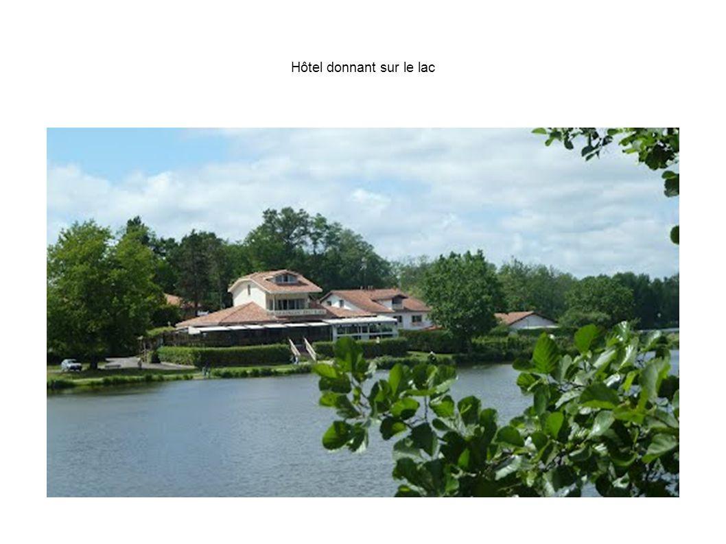 Hôtel donnant sur le lac