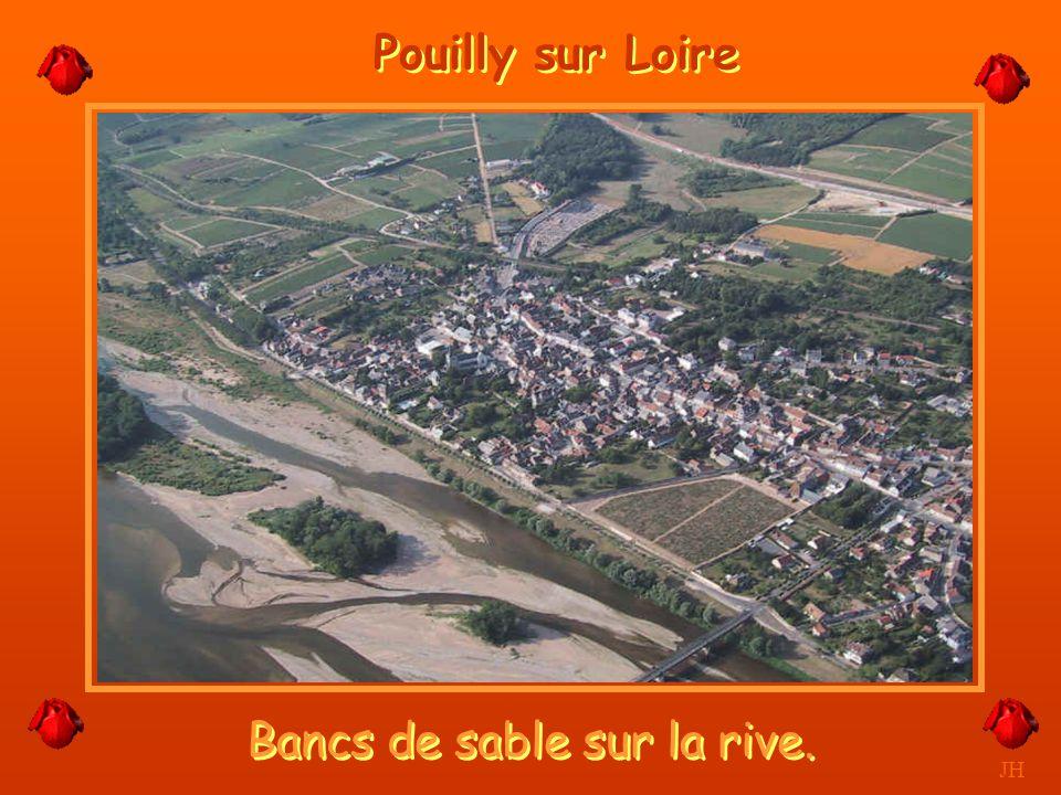 Entre bancs de sable et îles. JH Pouilly sur Loire