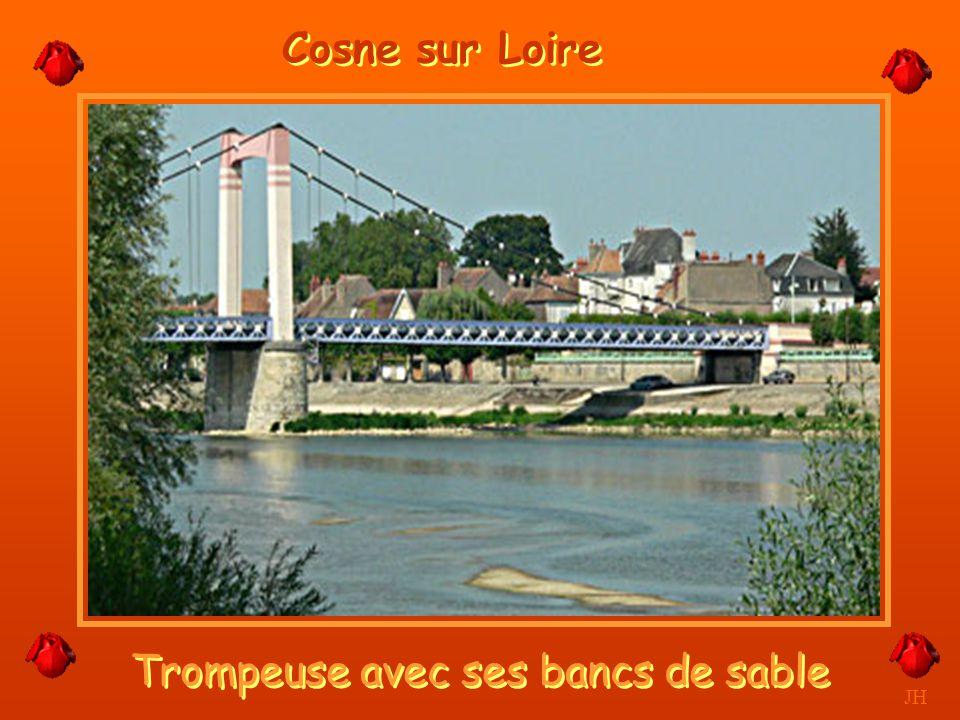 Le vignoble, vue de la Loire. JH La Colline de Sancerre
