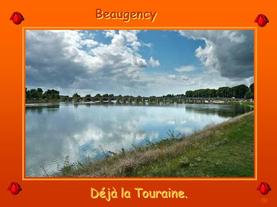 Les gabares l'ont sillonnée longtemps. JH La Loire entre Orléans et Nantes