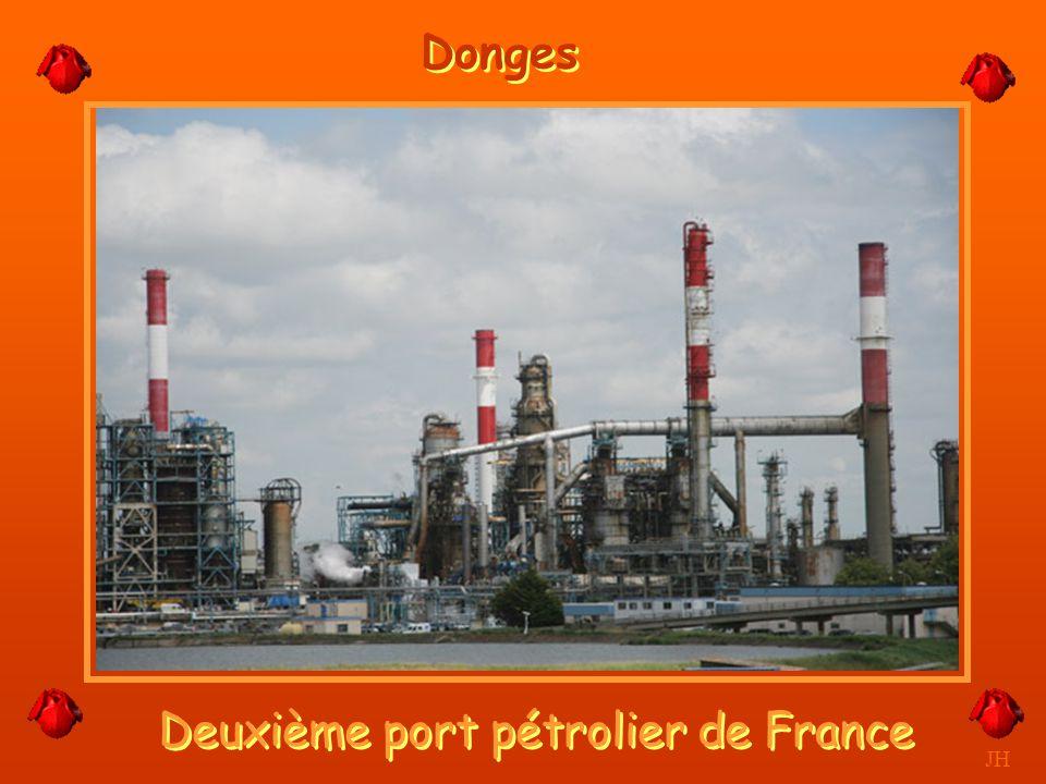 La raffinerie la nuit. JH Donges