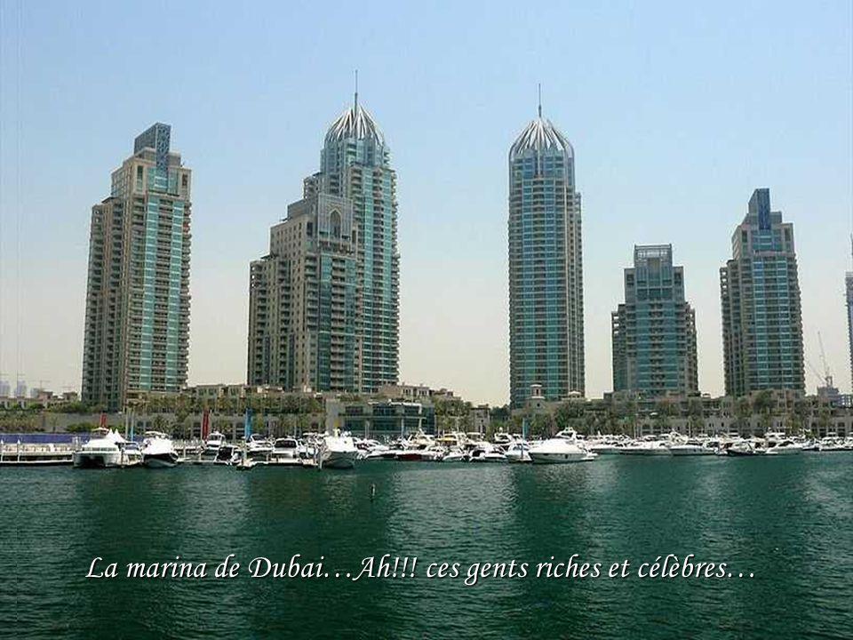Hydropolis…le premier hôtel sous la mer entièrement construit en Angleterre, puis assemblé à Dubaï, il devrait être achevé fin 2009 après de nombreux retards.