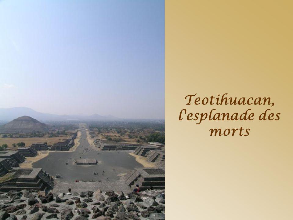 Pyramide du soleil à Teotihuacan