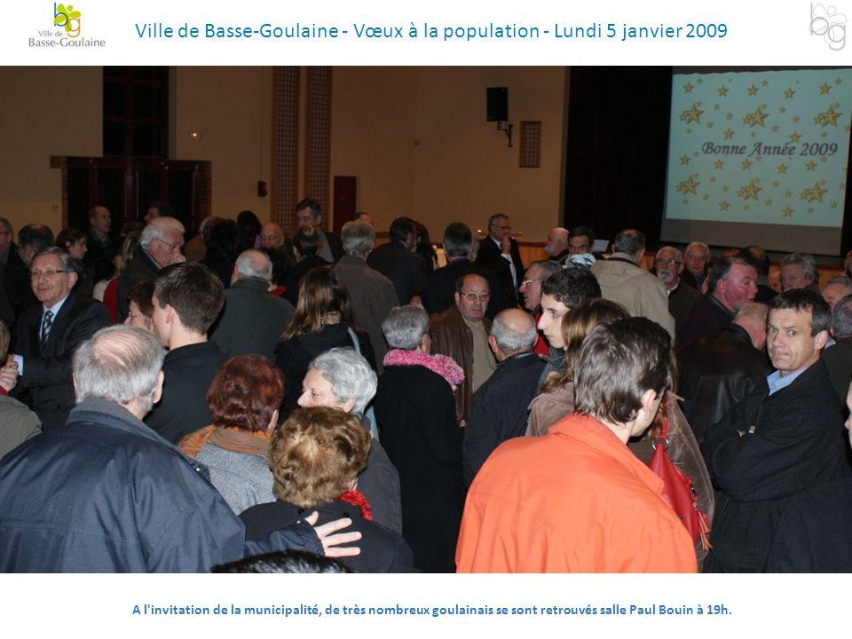 A l'invitation de la municipalité, de très nombreux goulainais se sont retrouvés salle Paul Bouin à 19h. Ville de Basse-Goulaine - Vœux à la populatio
