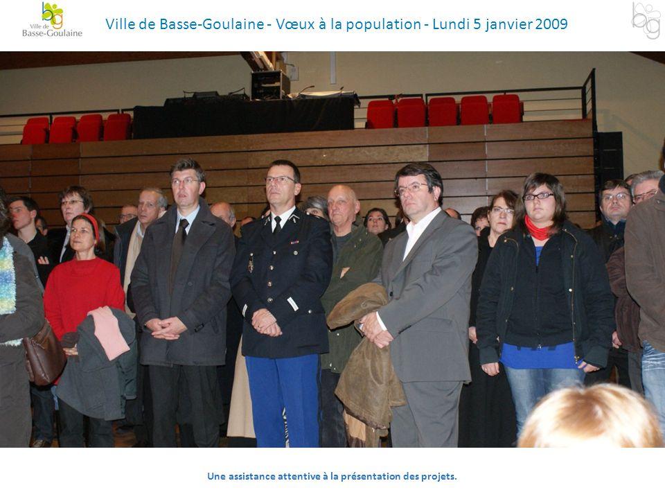 Une assistance attentive à la présentation des projets. Ville de Basse-Goulaine - Vœux à la population - Lundi 5 janvier 2009
