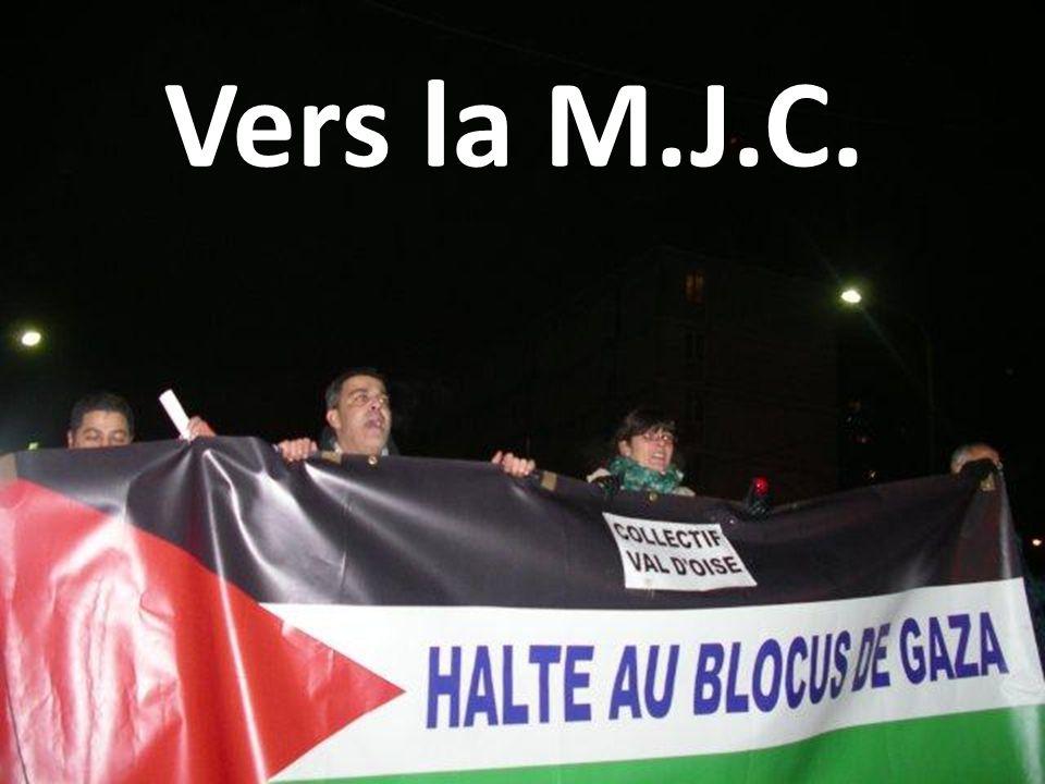 Vers la M.J.C.