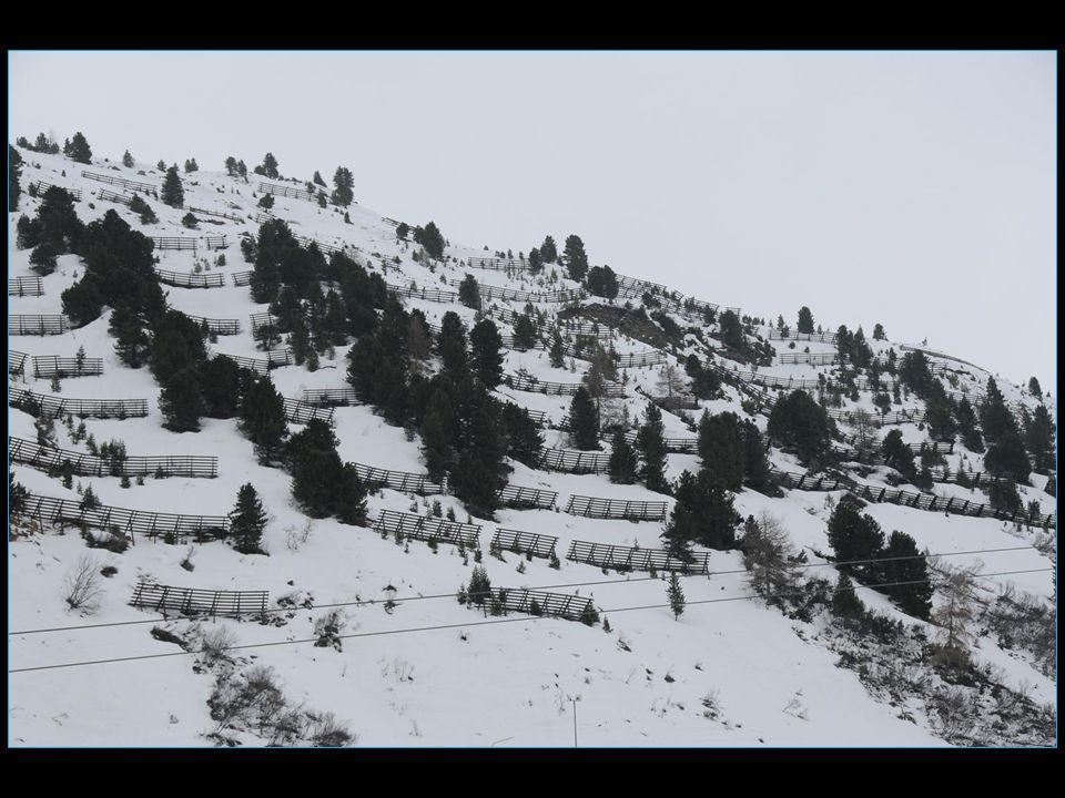 La neige est encore bien présente en ce mi-avril