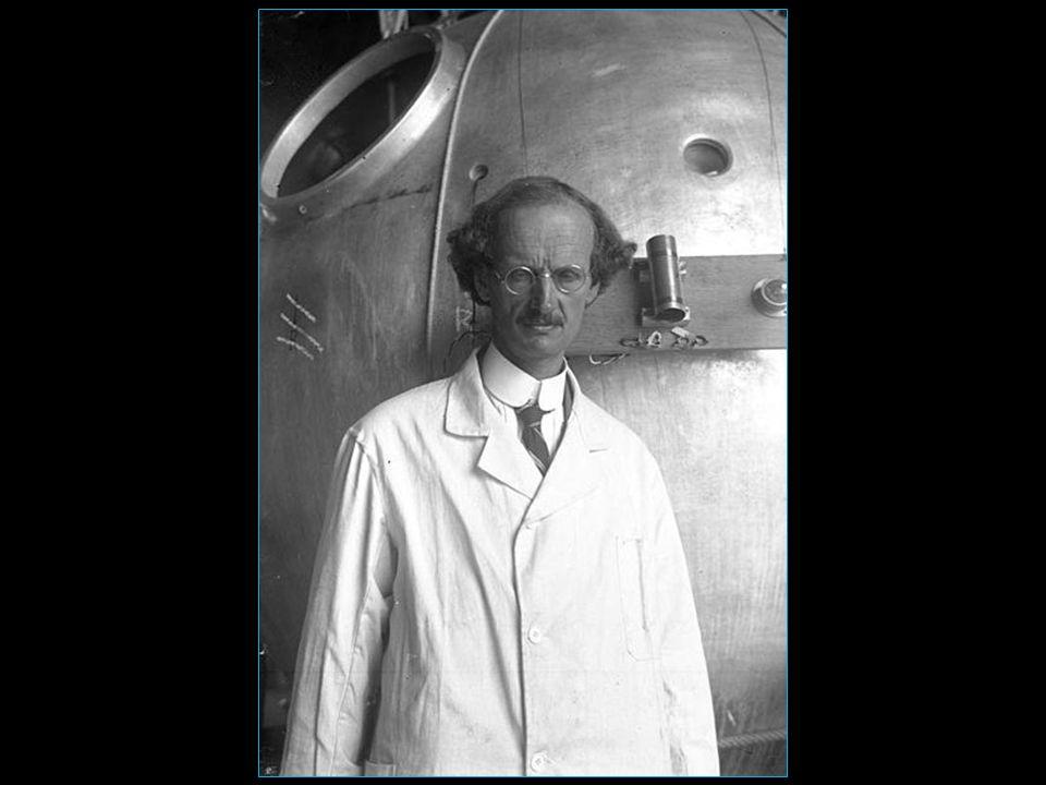 né à Bâle le 28.01.1884 et mort à Chexbres le 24.03.1962 est un physicien, aéronaute et océanaute suisse