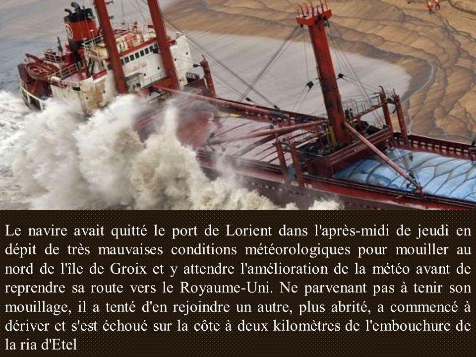 Image surréaliste que celle du cargo TK Bremem, échoué sur la plage de Kerminihy, dans le Morbihan.