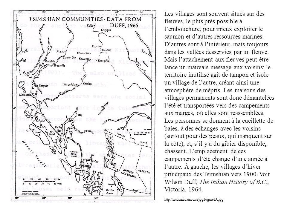 Les villages sont souvent situés sur des fleuves, le plus près possible à l'embouchure, pour mieux exploiter le saumon et d'autres ressources marines.