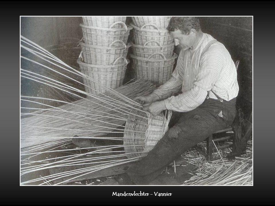 Rijshoutsnijder – Tailleur d'osier