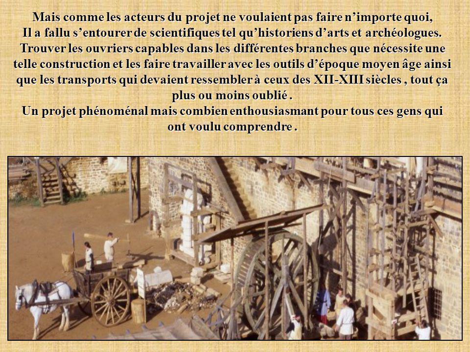 Parti d'une idée de Michel Guyot > > À partir de 1997, on concrétise cette idée en construisant de toutes pièces un nouveau château fort avec une équi