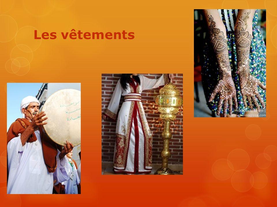 La musique  L'Oud L'Oud  http://www.youtube.com/watch?v=MsrPBNmh5Qk http://www.youtube.com/watch?v=MsrPBNmh5Qk  Cheb Khaled et Cheb Mami Cheb Khaled et Cheb Mami  http://www.youtube.com/watch?v=iIyyPsqRweE http://www.youtube.com/watch?v=iIyyPsqRweE