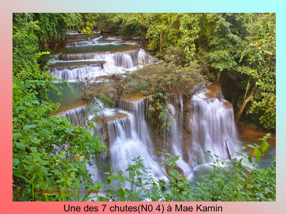 Une des 7 chutes(N0 4) à Mae Kamin
