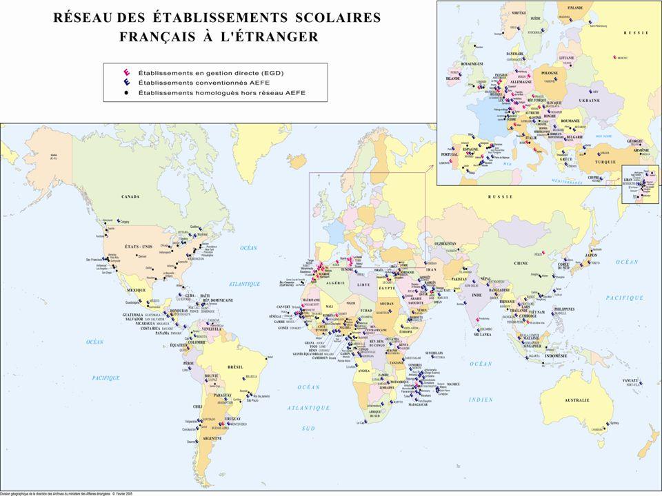 L'AEFE Ses moyens Les bourses d'excellence Attribuées aux meilleurs élèves étrangers désireux de poursuivre leurs études supérieures en France Attribution sur critères scolaires ou financiers, subordonnée à l'obtention d'une mention « bien » ou « très bien » au baccalauréat et à l'inscription en classe préparatoire ou 1 er cycle universitaire Près de 200 étudiants par an en bénéficient, originaires de plus de 50 pays Budget total de 2,5M€ L'agence va par ailleurs gérer l'attribution des bourses major jusqu'à présent prises en charge par la DGCID.
