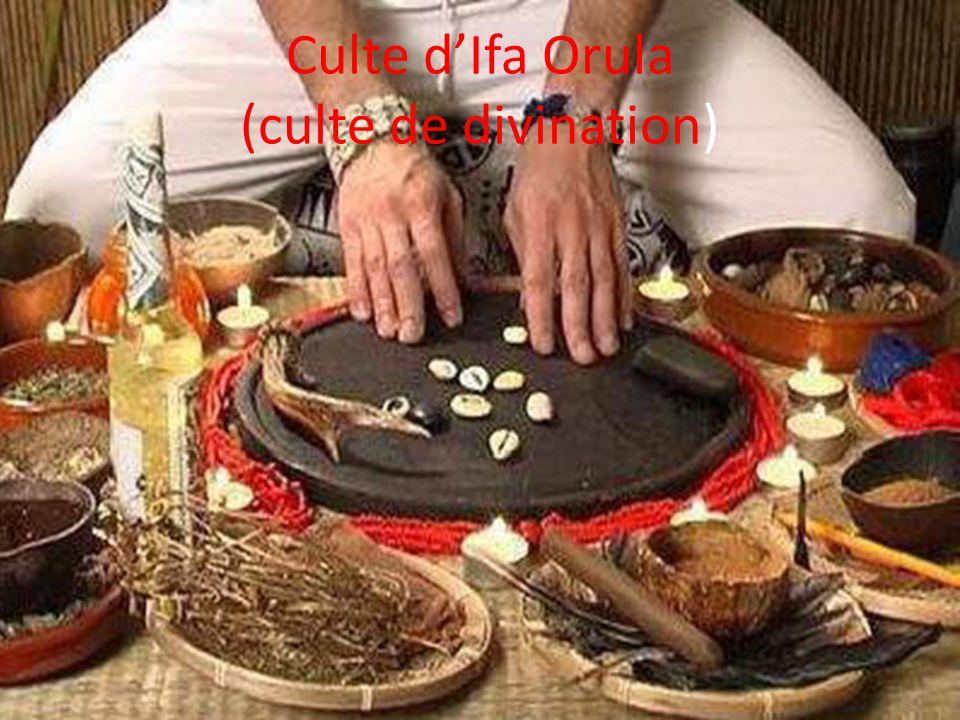 La Santeria La Santeria est une religion de l'Afrique de l'ouest développé par les esclaves à Cuba. Alliant les croyances africaines avec celles du ca