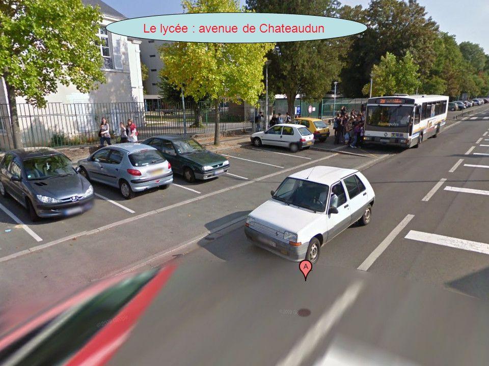 Le lycée : avenue de Chateaudun