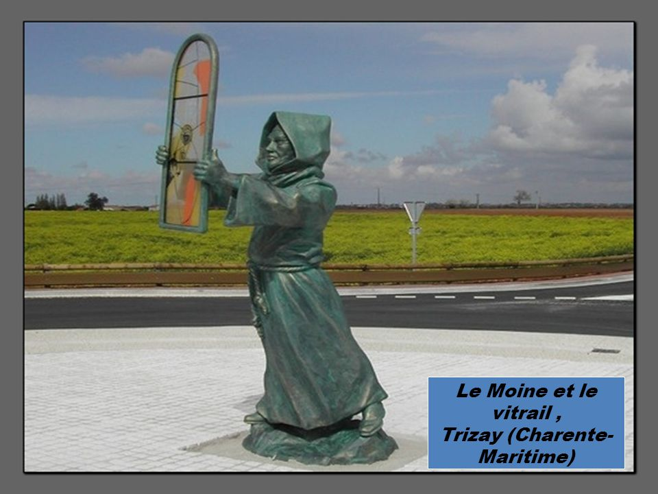 Le Moine et le vitrail, Trizay (Charente- Maritime)