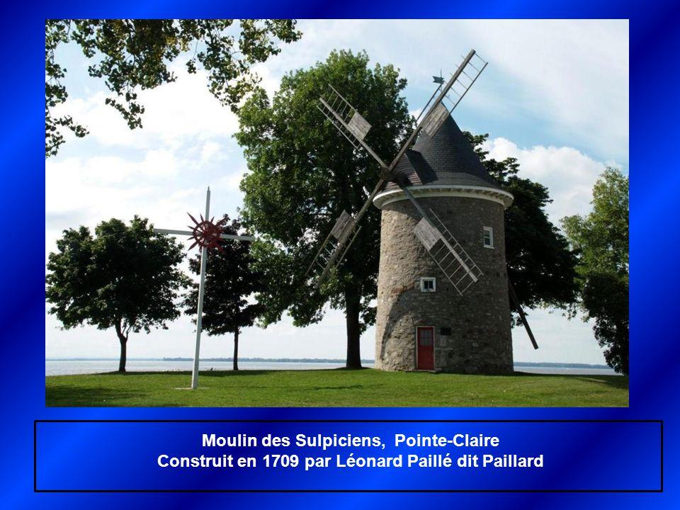 Moulin de Pointe-aux-Trembles (Montréal) Construit en 1719 par Jean-Baptiste Deguire dit La Rose, restauré en 2007