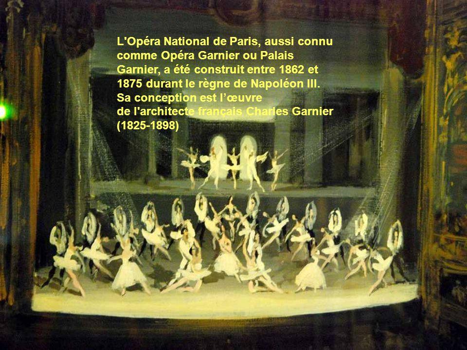 L Opéra National de Paris, aussi connu comme Opéra Garnier ou Palais Garnier, a été construit entre 1862 et 1875 durant le règne de Napoléon III.