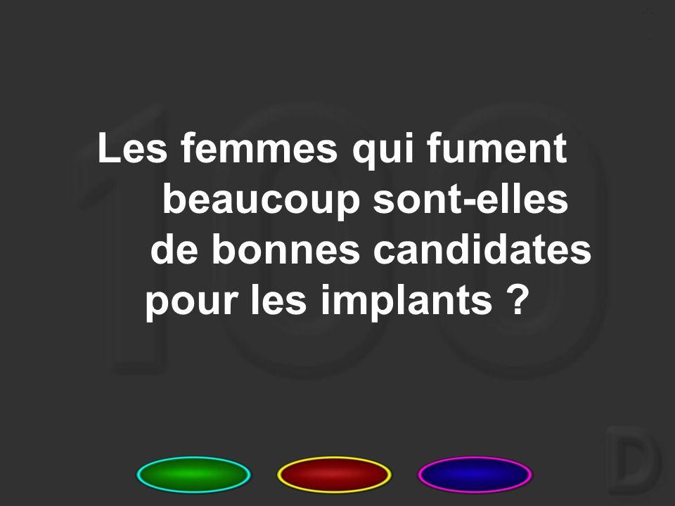 12 Quelle est la procédure à suivre si un ou plusieurs implants commencent à ressortir du bras d'une femme ?