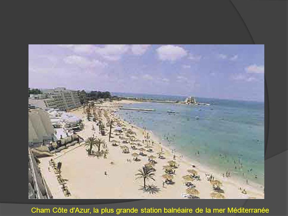 Cham Côte d'Azur, la plus grande station balnéaire de la mer Méditerranée