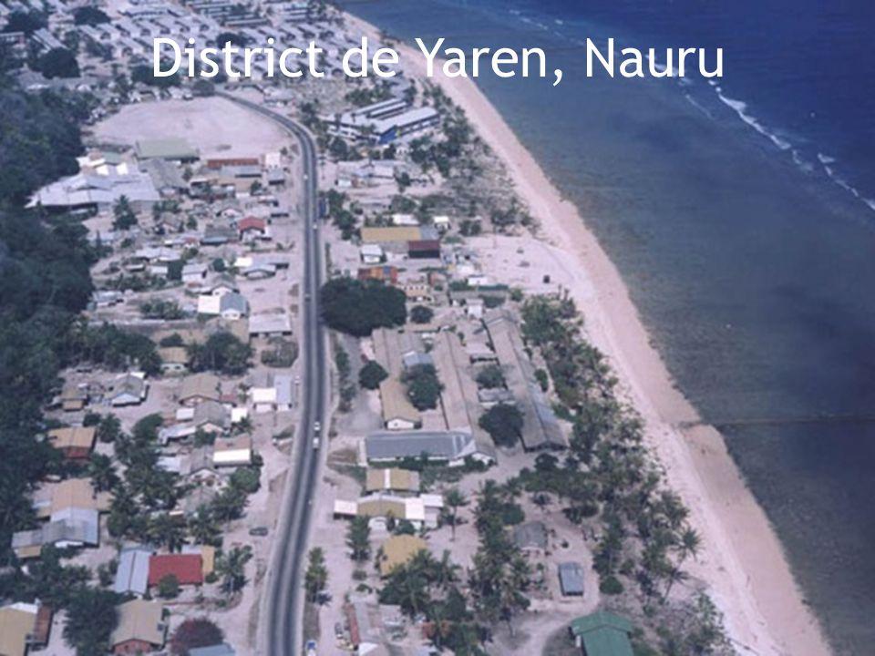 Nauru 21 km/2  Superficie: 21 km/2  Nombre d'habitants: 9,267  Capitale: District de Yaren  Langue officielle: Nauruan  Indépendance: De l'Australie le 31 janvier 1968  Situé: En Océanie