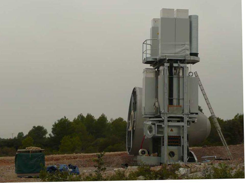 Machinerie à la base de la tour