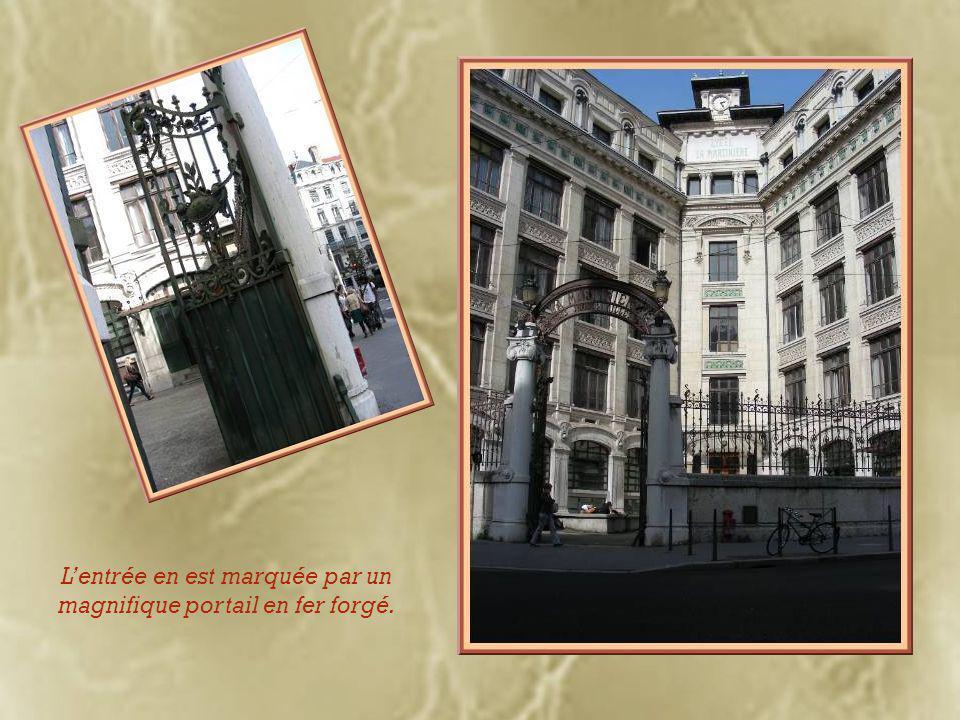 Voici « La Martinière », lycée professionnel créé en 1906 grâce au legs du général Martin.