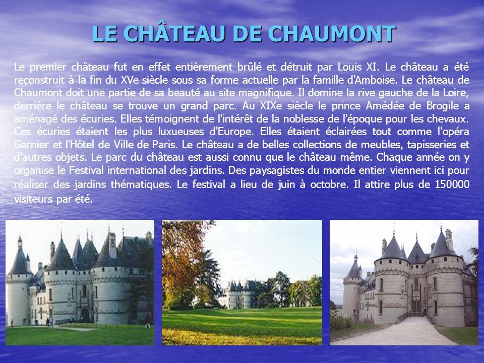 Le premier château fut en effet entièrement brûlé et détruit par Louis XI. Le château a été reconstruit à la fin du XVe siècle sous sa forme actuelle