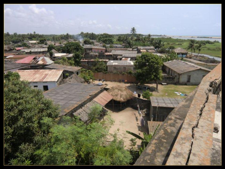 Vues un peu aérienne du village natal de notre guide Anatole.