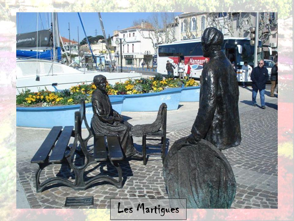 Martigues Martigues est une commune française des Bouches-du-Rhône en Provence, également connue sous le surnom de « Venise provençale ».