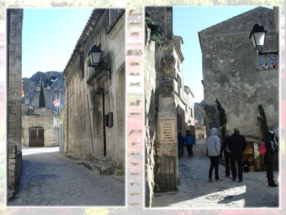 Les Baux-de-Provence sont une commune française, située dans le département des Bouches-du-Rhône et la région Provence-Alpes-Côte d Azur.