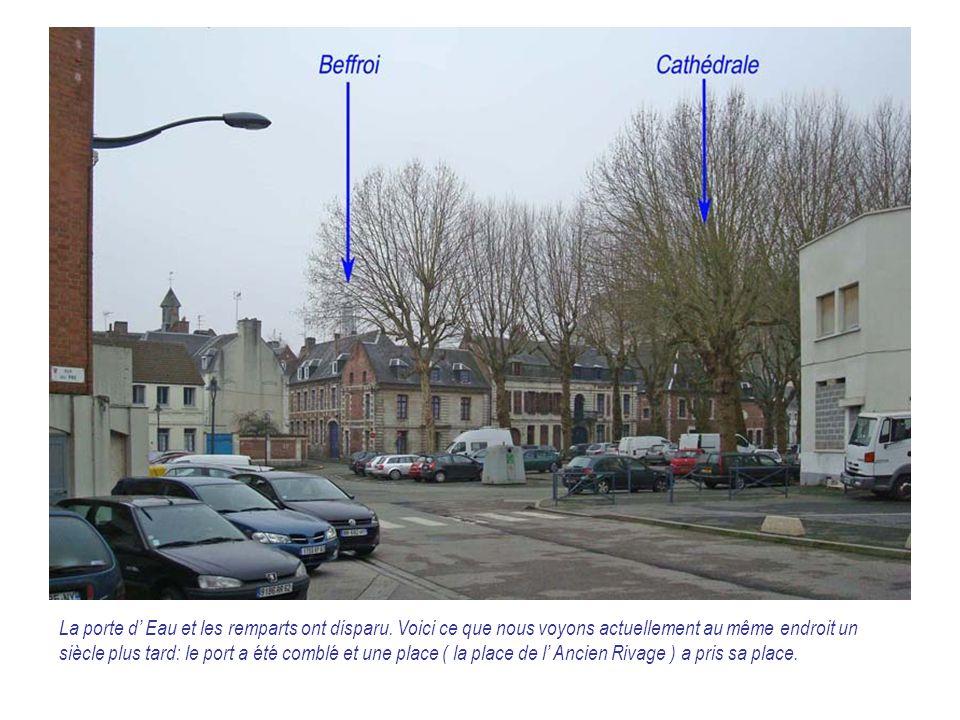 On reconnaît les maisons épargnées le long de l' ancien quai sur cette photo prise vers 1975-76