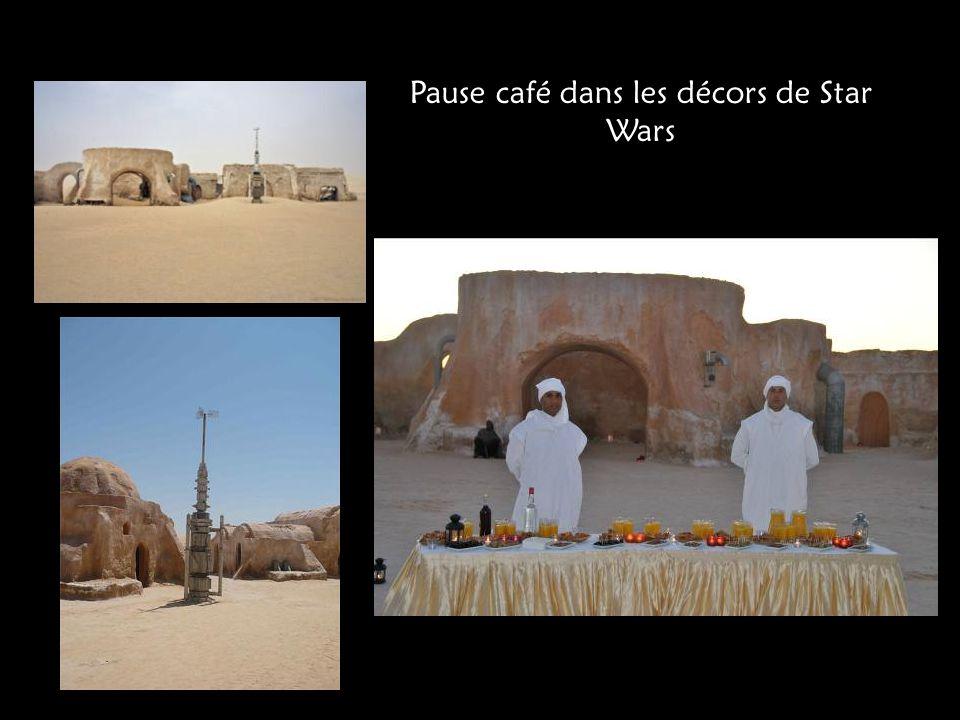 Pause café dans les décors de Star Wars