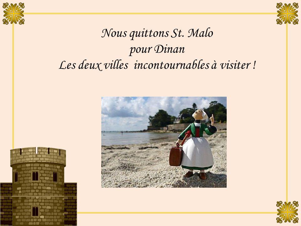 A l intérieur des murs, les imposantes maisons entourent la haute stature de la cathédrale Saint-Vincent.