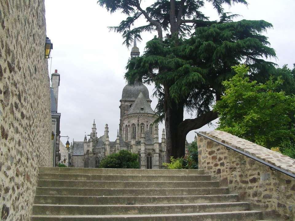 Nous quittons St. Malo pour Dinan Les deux villes incontournables à visiter !