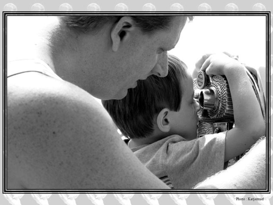 L'amour L'amour que nous portons à notre enfant se veut inconditionnel, désintéressé, absolu. Pas si désintéressé que ça, car de manière inconsciente,