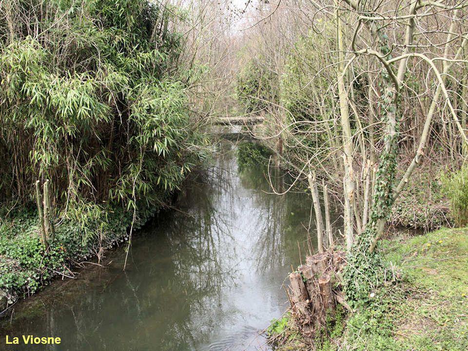 Le Golf Club d'Ableiges est vallonné, boisé et bordé par la Viosne, petite rivière qui serpente sous les frondaisons d'arbres centenaires. Ableiges es