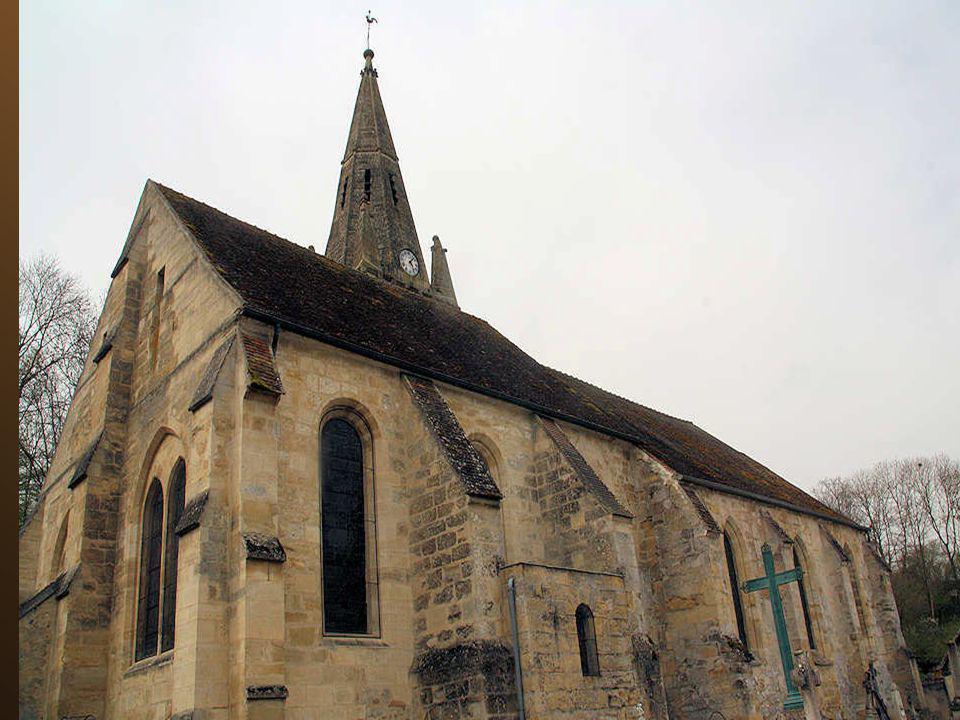 L'église Saint-Lucien date des XIIe-XIIIe siècles et est classée 'Monument historique' depuis 1908. C'est une église-halle gothique. Elle comporte une