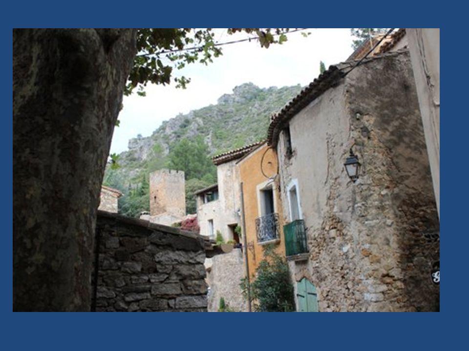 Photos et montage : Robert LEON Blog : www.robert-leon.fr Octobre 2012 Musique : POPOL VUH « Aguirre »
